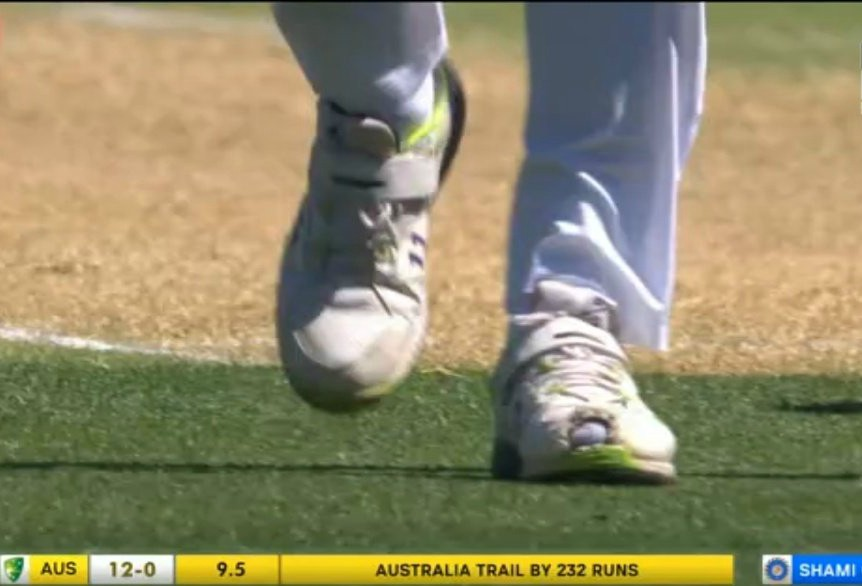 Mohammad Shami Left Shoe Hole in it